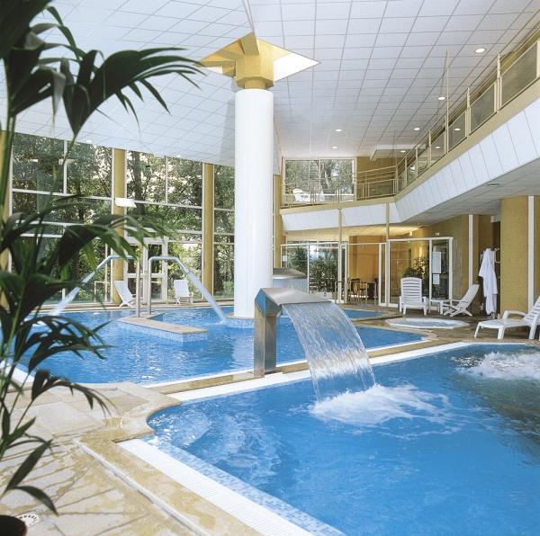 hotel adelphia aix les bains. Black Bedroom Furniture Sets. Home Design Ideas